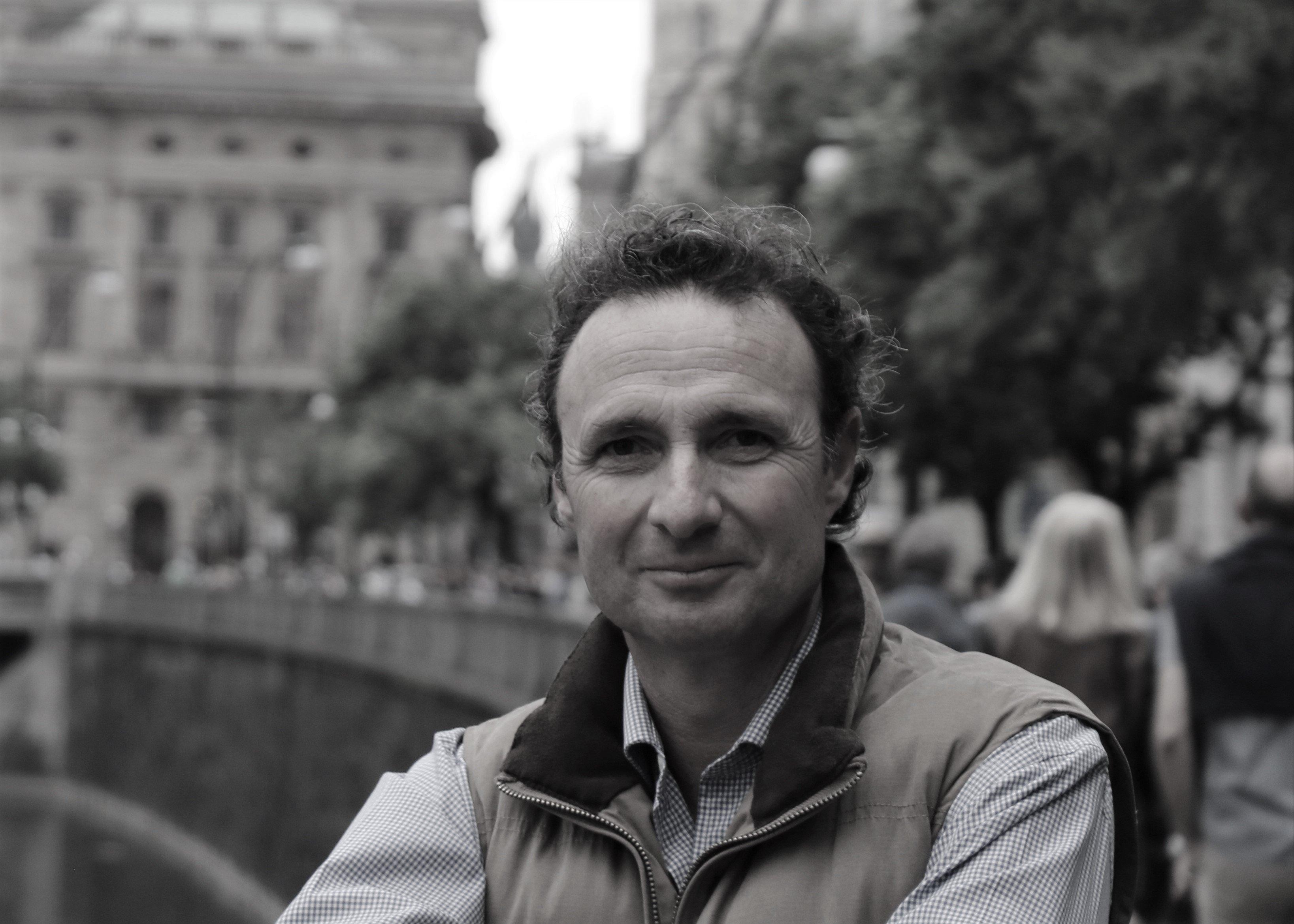 Javier Gonzalez Alcocer - Escritor